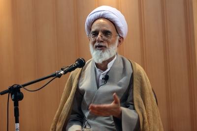 سیر مطالعاتی انقلاب ایران، تلاشهای خالصانه امام(ره) و پدر بزرگوارشان را هویدا میکند