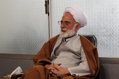 واگذاري هاي اصل 44 استان مركزي بدون برنامه انجام شده است